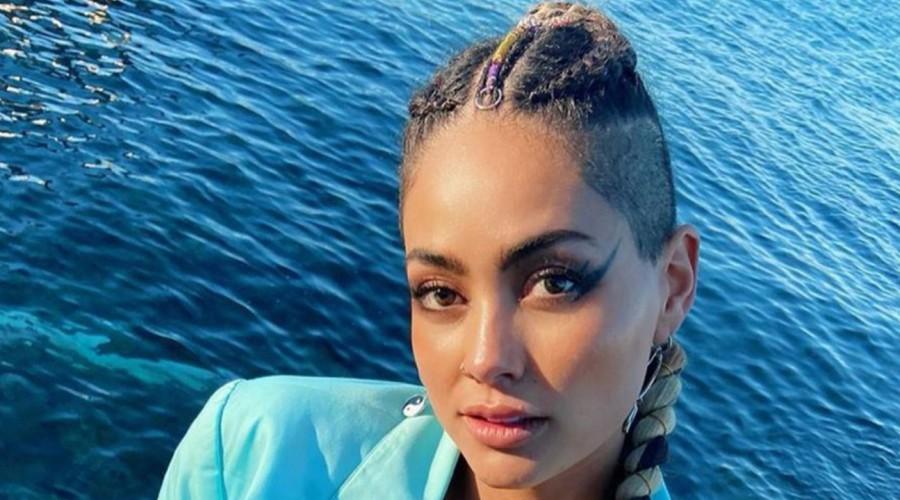 El radical cambio de look de Camila Recabarren para participar en videoclip