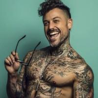 Pascual Fernández se luce como modelo en España