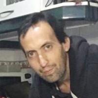 Lo bajaron del auto, le dispararon y atropellaron: Ex director de TV está grave