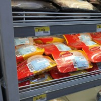 ¿$50 mil para cada chileno?: La posible indemnización por la colusión de los pollos