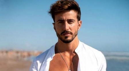Marco Ferri se llena de halagos con look árabe en Dubai