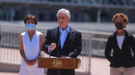 En Aeropuerto de Santiago: Presidente Piñera anuncia reapertura de fronteras