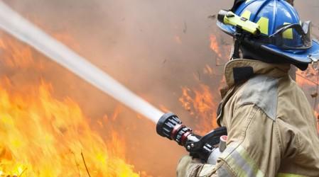 Joven quedó en coma tras rescatar a perros de incendio en centro de Santiago