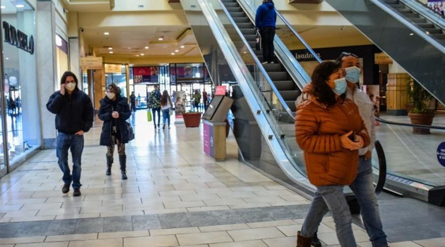 Cuarentena en toda la RM: Infórmate sobre el funcionamiento de malls y comercio este fin de semana