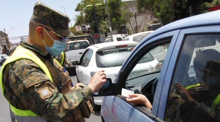 Revisa las 10 comunas que mañana retroceden en el plan Paso a Paso