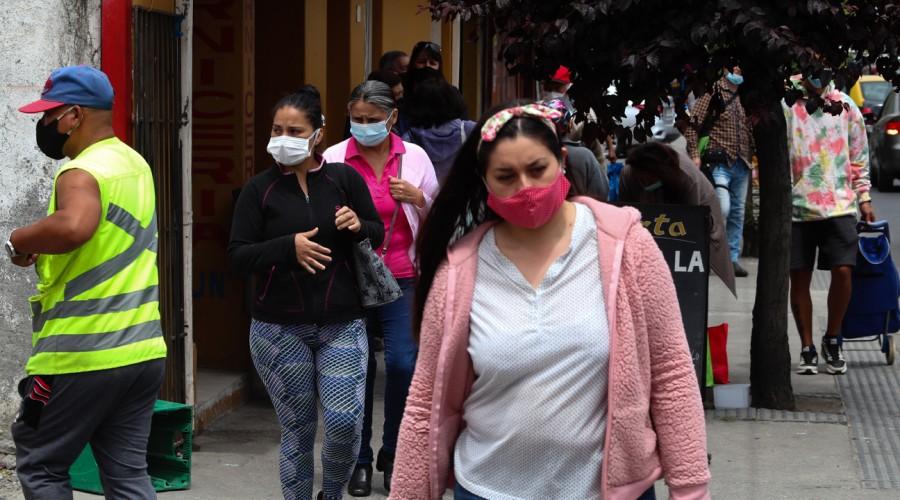 Región Metropolitana entre las más afectadas: Estas son las comunas con más contagios en el país