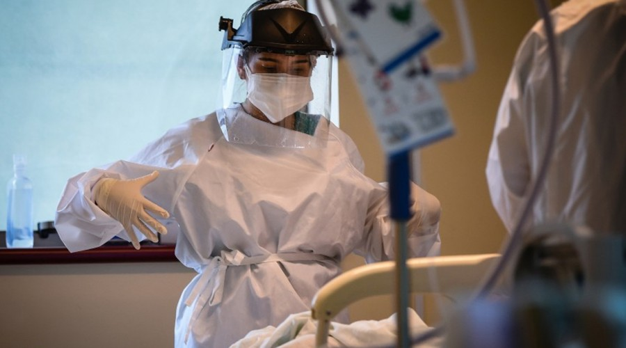 Minsal reporta cifra más alta de contagios por coronavirus en Chile desde julio