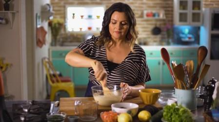 Comer y Sanar: Connie Achurra ayudará a una matrona a comer saludable