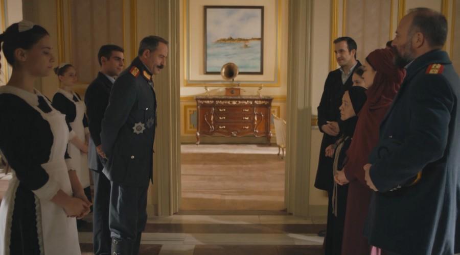 Filipo recibe a la familia de Cevdet en su mansión (Parte 2)