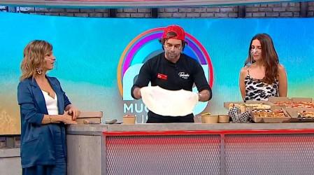 Max Cabezón enseña a preparar calzone de chocolate con frutillas