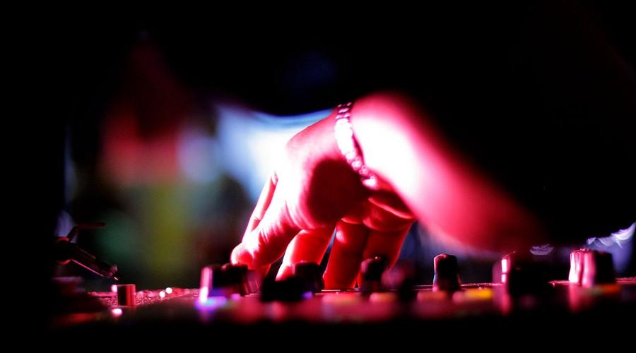 """""""Es una recomendación"""": Paula Daza aclara polémica sobre prohibición de música en restaurantes"""