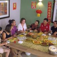 Koke Santa Ana y Javiera Contador se entregan a los exóticos sabores de la cocina China