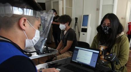 Nuevo sistema online: Junaeb realiza llamado a postular o renovar becas 2021