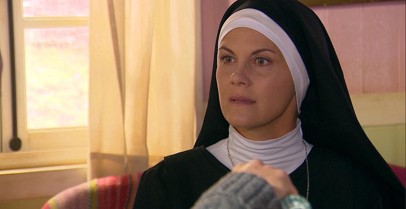 La confesión definitiva de Carolina al padre Gabriel