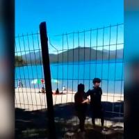 Autoridades anunciaron fiscalización: Vecinos de Lago Colico derribaron cerco para tener acceso a la playa