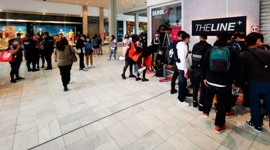 """Gerente de Asuntos Corporativos de Mall Plaza por aglomeración: """"Las tiendas no van a abrir durante el día"""""""