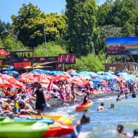 Conoce la cantidad de casos activos en los lugares más visitados en vacaciones