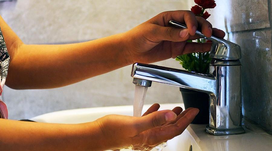 """""""Es posible todavía que tengamos un corte en la tarde"""": Ministro de Obras Públicas sobre agua potable"""