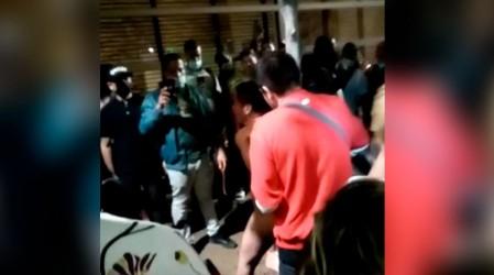 Vecinos de Estación Central lincharon a asaltante de 15 años que habría apuñalado a un conductor