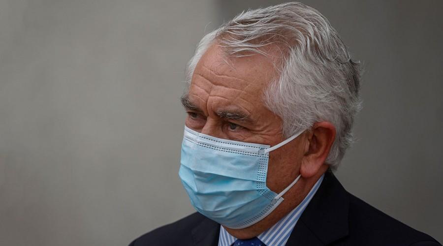 Covid: Ministro Paris explicó por qué los migrantes irregulares sí podrán vacunarse