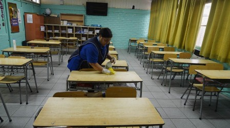 Se sumaron Calama, Quillota y Temuco: Estas comunas anunciaron que no tendrán a clases presenciales