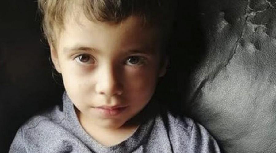 """""""Yo sé que él está vivo y que estará con nosotros"""": Madre de Tomás Bravo sobre la situación de su hijo"""