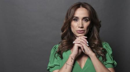 """Revisa el look de Alejandra Fosalba que interpretará a Samanta en """"Verdades Ocultas"""" 25 años después"""