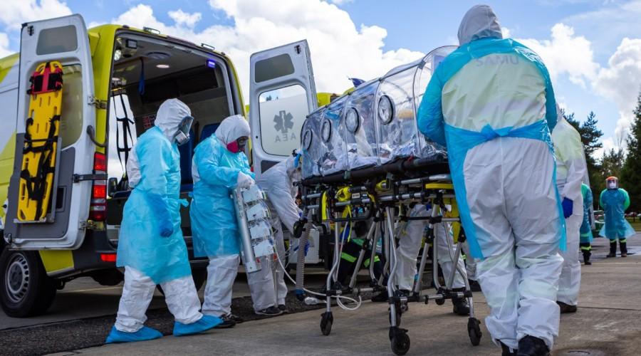 Revisa las 20 comunas con más casos activos de coronavirus en el país