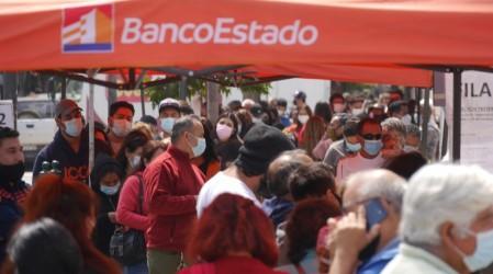 Este viernes comenzó el pago: Revisa las 14 comunas que recibirán el IFE Cuarentena
