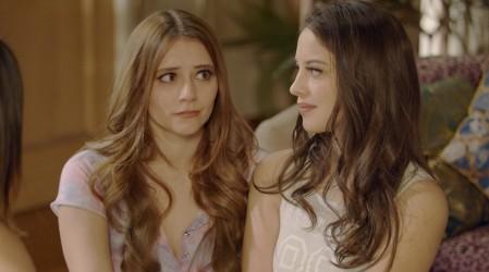 Rubí y Esmeralda recibieron a una desesperada Carolina