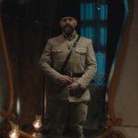 Cevdet vuelve a enfundarse su uniforme (Capítulo 250 - Parte 1)