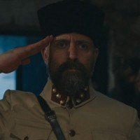 Cevdet vuelve a enfundarse su uniforme (Capítulo 250 - Parte 2)