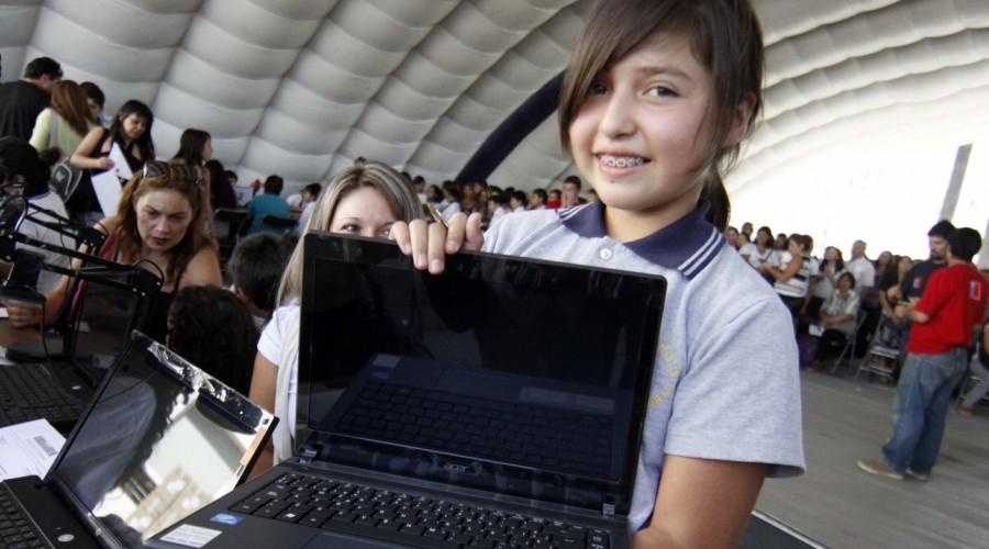 Becas TIC Junaeb: Revisa con el RUT de tu hijo si recibirá el computador gratuito