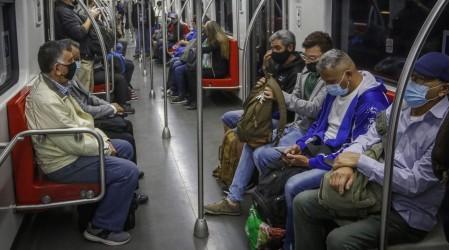 Metro de Santiago cambiará su horario de cierre debido al adelanto del toque de queda