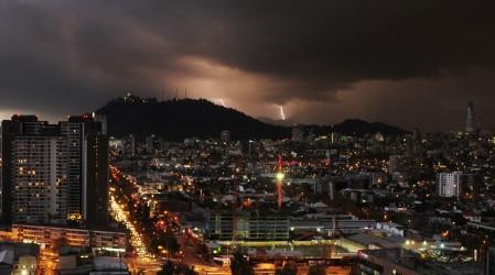 Zona central del país: Emiten aviso por posible tormentas eléctricas en zona central del país