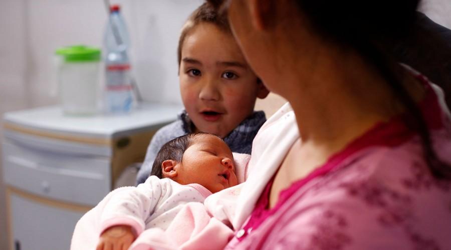 """""""Ley Marraqueta"""": Conoce la propuesta de 1 millón de pesos para cada recién nacido"""