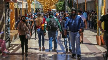 Nuevas cuarentenas: 21 comunas de la Región Metropolitana retroceden este jueves a confinamiento total