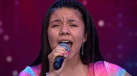 Rocío Fonfach emocionó al jurado con su talentosa voz