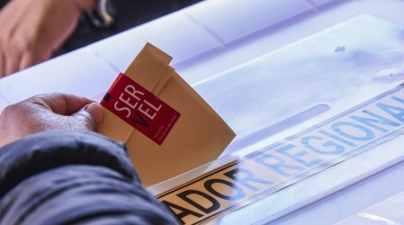 Servel publica nomina definitiva para elecciones de abril: Revisa si tu mesa o local de votación cambió