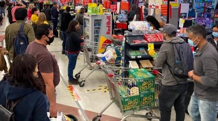 Duras medidas para el comercio en Cuarentena: Conoce qué es lo que estará permitido comprar en Fase 1 y 2