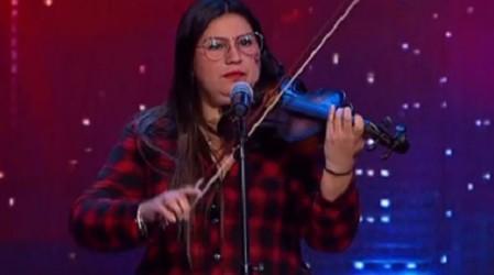 """""""Ha sido una ayuda espiritual para los pacientes"""": Damarís Silva y su música por el Hospital """"El Pino"""""""