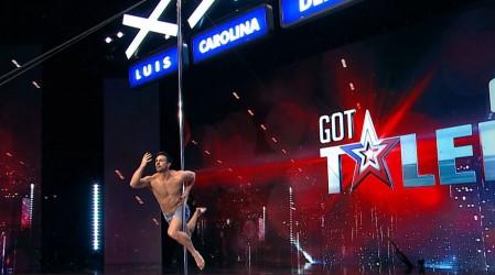Cris Sáez sorprendió con su talento y su desplante en el pole dance