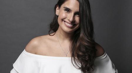 """""""Es admirable la energía y profesionalismo"""": Constanza Araya habló de su personaje en Verdades Ocultas"""