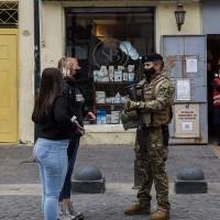 ¡Salen de Cuarentena!: Revisa las comunas que entran a Fase 2 este lunes 26 de abril