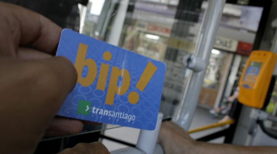 Saldos de tarjetas Bip ya no caducarán por no uso: Senado despachó proyecto de ley que las regula