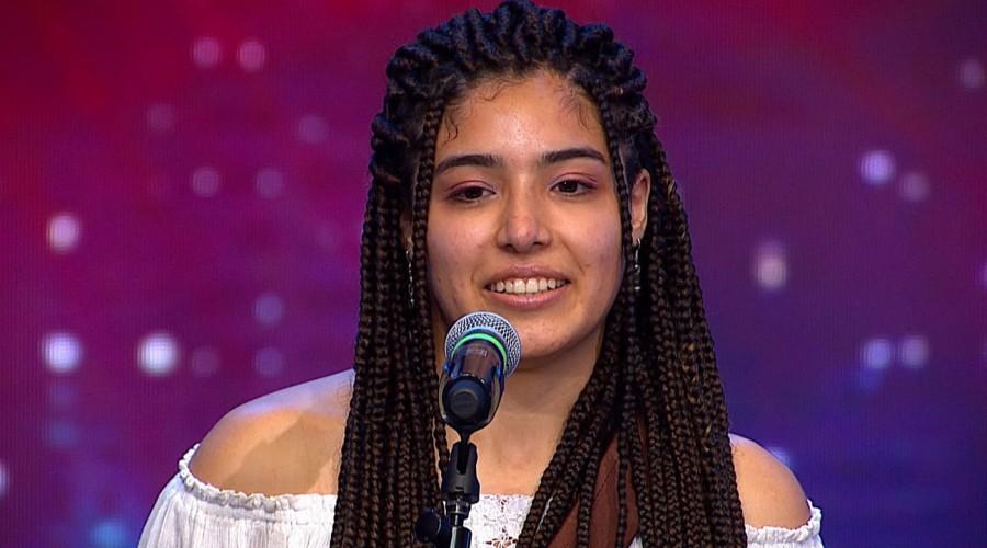 """""""Que dulce su voz"""": Sophía Gandulfi deslumbró a los fanáticos con su talento y la bella letra de su canción"""