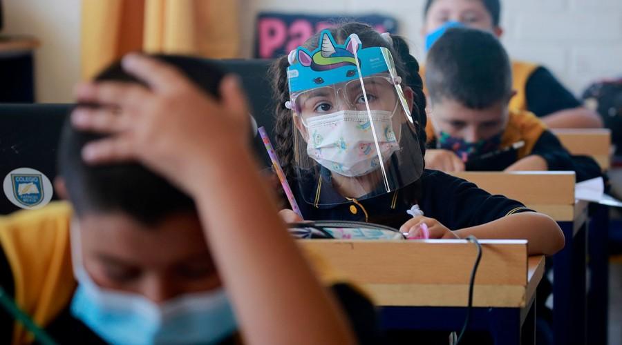 Bonos para los escolares: Revisa todas las ayudas económicas que pueden recibir los estudiantes