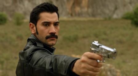 Yilmaz le disparó a Hunkar (Capítulo 33 - Parte 2)