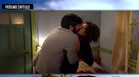 Avance: Carlos besará a Carolina
