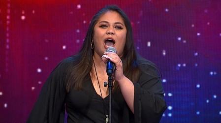 Elizabeth Arrué hizo vibrar al jurado con su gran talento en el canto
